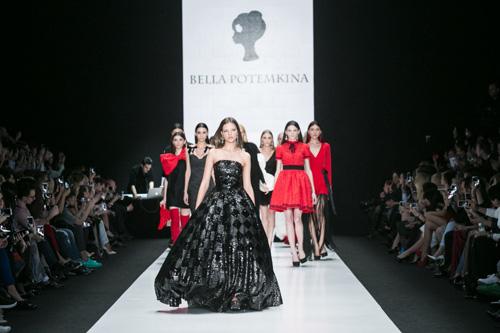 Показ Bella Potemkina в рамках Mercedes-Benz Fashion Week Russia